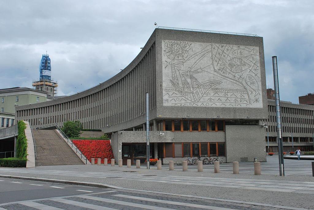 Y-Block, Oslo